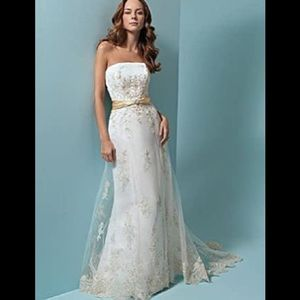 Alfred Angelo Style 1614 Lace Wedding Dress